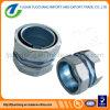 Couplage flexible rigide de conduit de compactage