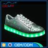 Meilleur modèle DEL de vente lumière vers le haut des chaussures pour des adultes