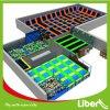 Liben modificó la corte de interior usada del trampolín para requisitos particulares de los adultos