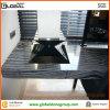 Partie supérieure du comptoir de marbre noire en bois accessible pour l'établi