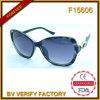 F15606 vendem por atacado óculos de sol elegantes das mulheres de Cat3 UV400 com logotipo feito sob encomenda