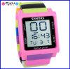 De kinderen houden Digitale van LEIDEN Shhors Horloge (P5908)