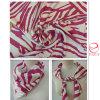 縞デザイン印刷によってカスタマイズされるロゴの絹のスカーフ