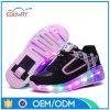 Chaussures lumineuses colorées de patin de rouleau des ventes en gros DEL de chaussures de sports