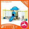 El plástico al aire libre del equipo del patio hace pivotar para los niños