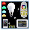 Bulbo claro inteligente esperto de controle remoto do RGB da lâmpada do diodo emissor de luz de WiFi