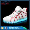 De LEIDENE van de fabriek Lichte Nieuwste die Loopschoenen van het Schoeisel in China worden gemaakt