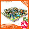 La cour de jeu d'intérieur molle de terrain de jeux de bébé badine le matériel central de jeu