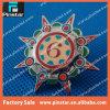 Pin de encargo complicado diseño libre de calidad superior al por mayor de la solapa del Pin de metal del brillo de la fábrica que gira sobre un eje hecho en China