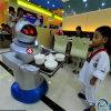 Оборудование трактира/инструмент кухни/робот робототехнического кельнера вагонетки еды говоря