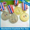 金のカラー詰物が付いているAtheletsの金属メダル賞が付いている銀製のボクシングメダル