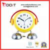 Часы перемещения часов стола будильника колокола ноги способа