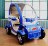 Le véhicule électrique du gosse, véhicule de RC, conduite électrique sur le véhicule