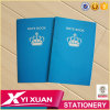 Os artigos de papelaria para a composição feita sob encomenda da escola registram o livro de exercício de escola padrão