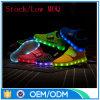 L'OEM di MOQ basso personalizza i pattini chiari unisex luminosi del LED