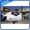 La cupola gonfiabile di figura di gioco del calcio con la tenda dell'iglù del portello per la pubblicità, mette in mostra le tende gonfiabili
