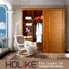 De Houten Garderobe van Holike met de Deuren van de Dia