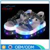 Il modo superiore brillante di estate dell'unità di elaborazione scherza i sandali della suola del LED