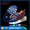 De nieuwe LEIDENE van het Ontwerp Rolschaats schakelt Schoenen van de Sport van Schoenen de Lichtgevende in
