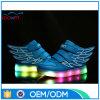 Chaussures légères neuves de printemps et d'automne, chaussures d'éclairages LED de garçon