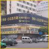 Cartelera curvada de Trivision para el anuncio de la tapa del edificio cuadrado