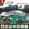 Barracas do partido com o telhado desobstruído para eventos