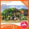 Família do parque de diversões ao ar livre do campo de jogos da infância em Guangzhou
