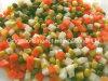 Vegetais misturados enlatados (batata, cenoura, milho doce, ervilhas verdes)