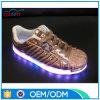 MOQ inférieurs à la mode personnalisent l'éclairage LED d'hommes vers le haut des chaussures