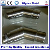 Falegname a livello con la balaustra adatta del corrimano dell'acciaio inossidabile del gomito del tubo da 135 gradi