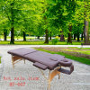 Tabella portatile di legno di massaggio con gli accessori pieni
