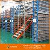 Entresuelo del almacén y plataforma industriales del acero