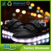 Zapatos luminosos para el USB de los niños que carga en los zapatos de los deportes