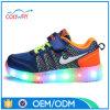 2017の方法Flyknitの甲革は運動靴LEDの靴をつける