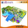 Campo de jogos 2015 interno das crianças da série dos doces de Vasia
