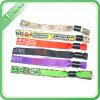 Wristband coloré de promotion de bon textile fait main des prix