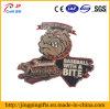 Distintivo su ordinazione del metallo del ricordo del cane del morso