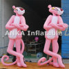 생생한 큰 팽창식 분홍색 표범 만화 인물