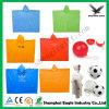Venta al por mayor plástica disponible del poncho de China