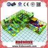 Binnen Ongehoorzaam Kasteel voor Kinderen met de Kuil van de Trampoline en van de Bal
