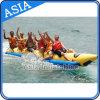Una singola riga barca delle 8 persone di banana gonfiabile trainabile