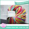 L'immaginazione ha lavorato a maglia il filato di lusso robusto del bambino dei reticoli del Crochet dei pistoni