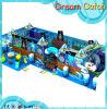 Cour de jeu d'intérieur de gosses avec les jeux mous pour le parc d'attractions