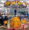 Pequeños paseos del parque de atracciones de la silla del vuelo del oscilación con el cartón de Mickey