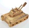 El tanque de madera del juguete de los niños