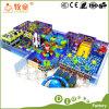 Спортивная площадка воспитательных малышей игр стены смешных крытая