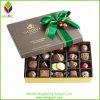 شوكولاطة ورقيّة يعبّئ صندوق مع وشاح