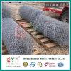 Heißer eingetauchter galvanisierter Belüftung-überzogener Kettenlink-Zaun Rolls