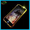 Il piccolo flash delle vite illumina in su la cassa del telefono mobile per il iPhone
