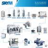 Bouteille d'eau potable faisant la machine dans les machines